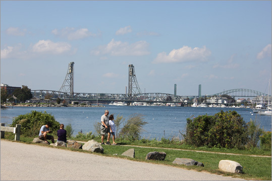 The nearby Peirce Island offers walking trails and sweeping views of the harbor. A boat launch and fishing pier are also on hand.