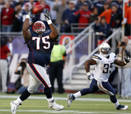 Vince Wilfork, the Patriots' mammoth defensive tackle, pulled off one of the most unlikely plays Sunday when he intercepted a pass in the Patriots' 35-21 victory over the Chargers and returned it 36 yards. It was just last year we were celebrating another Patriots big man's moves with the pigskin in hand, and the two plays got us thinking about all the big men Boston sports fans have embraced. Here's a review.