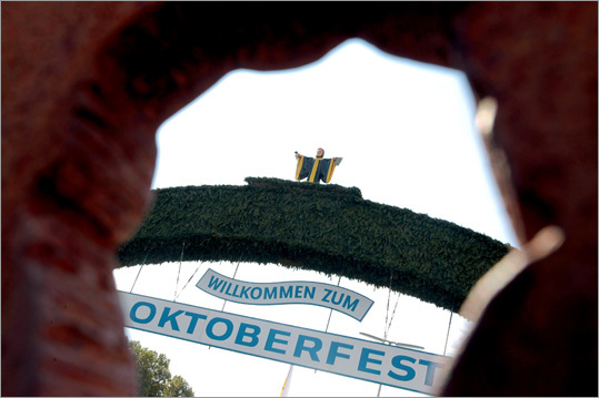 The main entrance of the Theresienwiese fair grounds read 'Willkommen zum Oktoberfest,' which means, 'Welcome to Oktoberfest.'