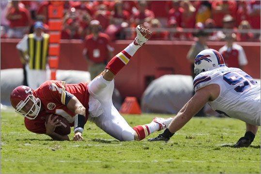3. The defense has been decent Buffalo ranks 14th in the NFL in total yardage allowed (333.5 per game) and ninth in points allowed (42). Nose tackle Kyle Williams (left), who has made the Pro Bowl in each of the past two seasons, is a difficult assignment for center Dan Connolly and the Patriots' offensive line, though the Bills are just 21st in the league in stopping the run through two weeks.