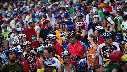 The seventh-annual Hub On Wheels citywide bike ride brought an estimated 5,000 riders to Boston City Hall early Sunday morning.