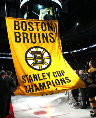 The banner ceremony preceded the Bruins season-opening game vs. the Flyers.
