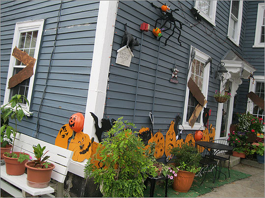 Want to take a look into the future? There are plenty of psychics ready to read your fortune in Salem this month. Fatima's Psychic Studio was decked out in Halloween decorations.