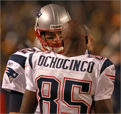 3. Receiving corps Chad Ochocinco simply hasn't panned out, Deion Branch is inconsistent, and Aaron Hernandez looks like he's still injured. Combine that with the fact that teams seem to be figuring out how to slow down Wes Welker -- 84 combined receiving yards in his last two games against the Cowboys and Steelers -- and the vaunted Patriots offense isn't so vaunted. Tom Brady just isn't going to bail the team out every week.