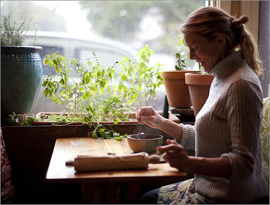 Homegrown Herb & Tea Sarah Richards quit teaching Spanish to open her store at the foot of Munjoy Hill in the East End. She grows and dries herbs and flowers at her family farm in New Sharon and around her house in Portland. From her workshop behind the counter she concocts custom herbal blends to both balance the body and target particular ailments. 195 Congress St., 207-774-3484, www.homegrownherbandtea.com