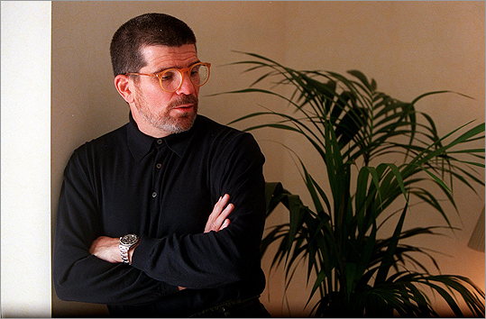 David Mamet The playwright won a Pulitzer Prize for 'Glengarry Glen Ross' and is known for his style of writing sharp dialogue. For several years, Mamet called Newton home. Here, he wrote several scripts for plays, essays and scripts.