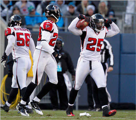 8. Atlanta Falcons (9-6) The Falcons are in the playoffs as a wildcard team, but their confidence must be at an all-time low after taking a shellacking against the New Orleans Saints (12-3) in Week 16. If they don't want to face the Saints again in the first round of the playoffs, whom they've lost to twice, they need to win this weekend against the Tampa Bay Buccaneers (4-11) and they need the Detroit Lions to lose against the Green Bay Packers (14-1). Despite the plausibility of moving up a seed, to the No. 5 slot, we don't see the Falcons going far this year. They can't seem to handle the elite teams, even with a win against the Detroit Lions (10-5) and Houston Texans (10-5) in their back pocket already.
