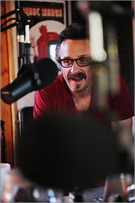 Marc Maron The comedian is known for his podcast in which he interviews comedians and actors. Maron, a graduate of Boston University, was formerly a resident of Somerville by Davis Square.