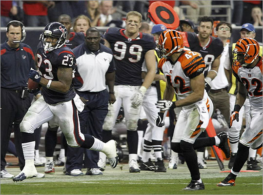 Texans 31, Bengals 10 Arian foster sealed the Texans win with a 42-yard touchdown run in the fourth quarter that made the score 31-10.