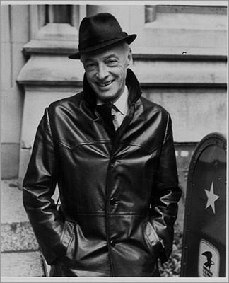 Saul Bellow The Nobel laureate lived in Brookline. He wrote more than two dozen novels, short stories, plays, and nonfiction works. He started living in Boston in 1993 when he taught for Boston University. He was awarded a Pulitzer Prize for his book, 'Humbold's Gift.' ''The Pulitzer is for the birds,' said Humboldt, insistently immune to the prize his story would take. ''For the pullets. It's just a dummy newspaper publicity award given by crooks and illiterates. You become a walking Pulitzer ad, so even when you croak the first words of the obituary are Pulitzer prize-winner passes.'
