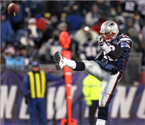 Tom Brady with a rare punt in the fourth quarter. The Patriots surprised the Broncos on third down with this play on their final drive in the fourth quarter. The punt traveled 48 yards.