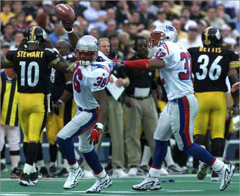 8. Patriots 28, Steelers 3 AFC Divisional, January 5, 1997 If you're a Patriots fan of a certain vintage, you surely can close your eyes and still envision the Patriots' first play from scrimmage, a bomb through the thick fog from Drew Bledsoe to sensational rookie receiver Terry Glenn down the right sideline. Curtis Martin scored the first of his three rushing touchdowns a few moments later – he finished with 166 yards on the ground – and the tone was set for a Patriots blowout against the brash Steelers. It wouldn't be Pittsburgh's last lesson that games aren't won verbally.