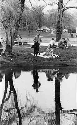 1965 The park attracted many painters to use the landscape as inspiration for their creations.