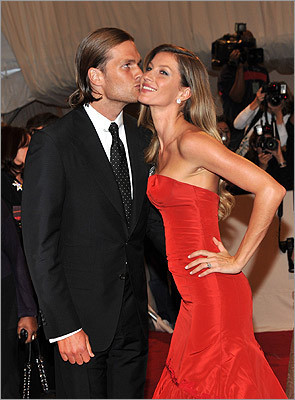 Their quarterback is pretty Tom Brady's had a fairly nice life. In addition to being a quarterback who's won three Super Bowls, he married one of the most beautiful women in the world in Gisele Bundchen (left), with whom he has a son. Brady was already seen as a pretty boy, and his perfect family only adds to that image. Brady and Bundchen are each paid at the top of their fields, making them among the richest celebrities in the world. There's bound to be some jealousy there.
