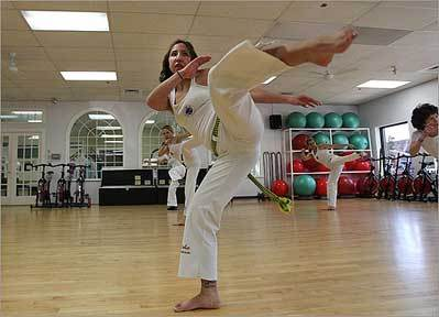 Couple brings capoeira to burbs