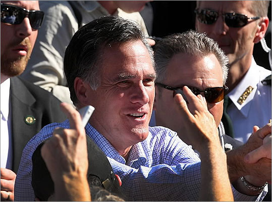 Mitt Romney greeted supporters in Dunedin, Fla., on Jan. 30.