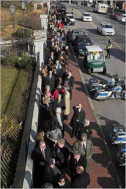 More than 100 people lined up on the brick sidewalk on Beacon Street in front of the Parkman House on Tuesday afternoon, waiting to pay their respects at the wake of former Boston mayor Kevin H. White. White led the city from 1968 to 1984, years of both turbulence and transformation. Take a look at scenes from the wake.