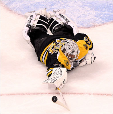 Bruins goalie Tim Thomas dove to poke away a rebound during the second period. Thomas had 17 saves.