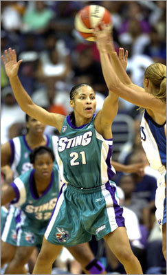 Allison Feaster led Harvard to a 23-5 record as a senior in 1998. She was drafted by the WNBA's Los Angeles Sparks, and also played for Charlotte and Indiana. She also played professionally in Europe.