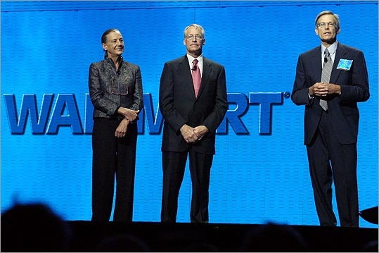 14. Jim C. Walton Estimated net worth: $26.7 billion Walton (pictured at right) is a member of Walmart's board of directors, and he oversees Arvest Bank. He is the youngest son of Sam Walton. Forbes profile
