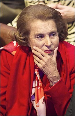 9. Liliane Bettencourt Estimated net worth: $30 billion Liliane Bettencourt, 90, is the world's richest woman. She and her family own more than 3 percent of cosmetics company L'Oreal SA. In 2012, she was worth $21.5 billion and was 18th on the list. Forbes profile