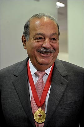 Mexican tycoon Carlos Slim smiled after of receiving a recognition of the International Red Cross on Feb. 19 in Mexico City.