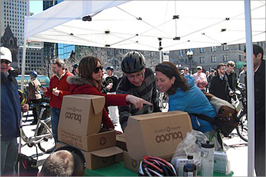 The first 100 Hubway riders at the event receive free burritos provided by local restaurant chain Boloco. Hubway currently has more than 5,000 members and 61 stations throughout Boston.