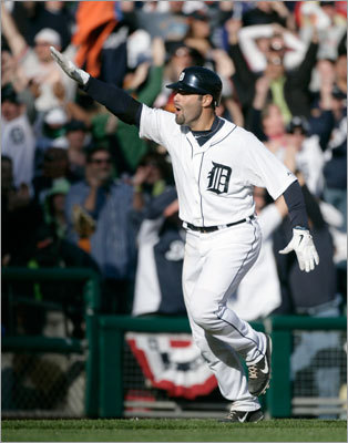 Detroit's Alex Avila hit a two-run, walkoff home run in the bottom of the 11th inning that gave the Tigers the win.