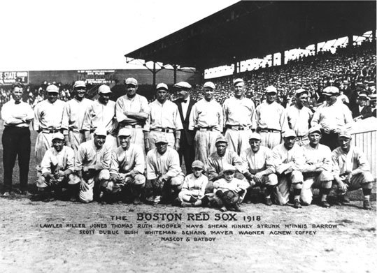 1918: World Series clincher The second and last time the Sox wrapped up a world championship on Fenway soil. Things were settled in Game 6 when Carl Mays beat the Cubs, 2-1, with a three-hitter. Mays and Babe Ruth combined for all four wins and a 1.03 ERA.