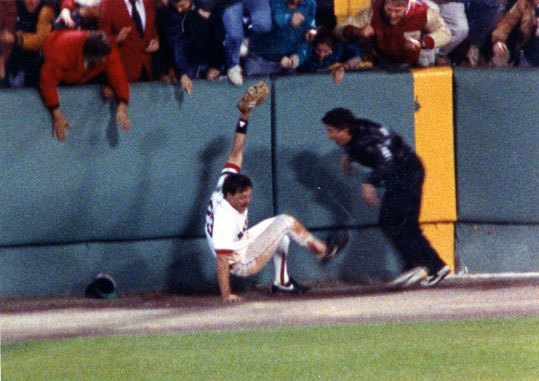 1990: The Brunansky catch On Oct. 3, 1990, with the tying runs on base and the Sox holding a 3-1 lead over the White Sox, Tom Brunansky made a spectacular diving catch in Fenway's right field corner to end the final game of 1990 season, clinching the American League East title for the Red Sox.