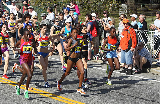 The elite women began in Hopkinton.