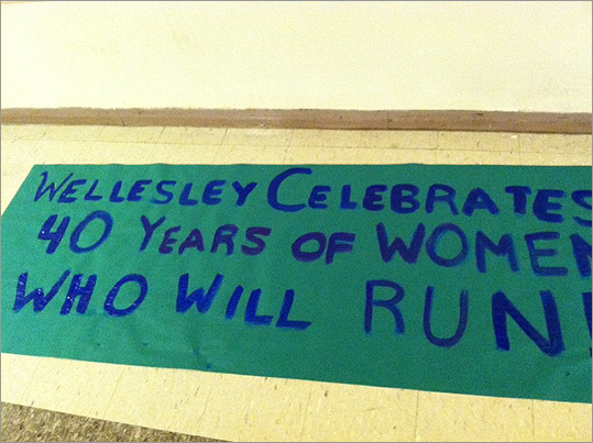 Pictured: @nprnews #Wellesley celebrates the 40th (official) year of women in the #BostonMarathon!