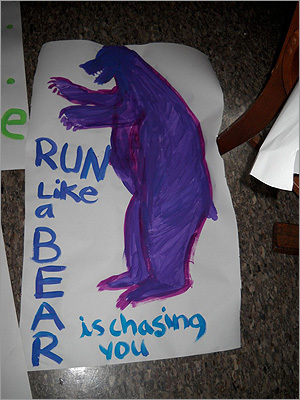 Pictured: My favorite past #BostonMarathon #ScreamTunnel sign- Run like a Bear is chasing you. How motivating? @avidbiologist http://pic.twitter.com/uCBGXKx0