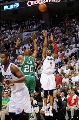 Andre Iguodala was 3-for-3 from 3-point range, including a crucial shot late in the fourth quarter, to help the 76ers rally from a huge first-half deficit to beat the Celtics.