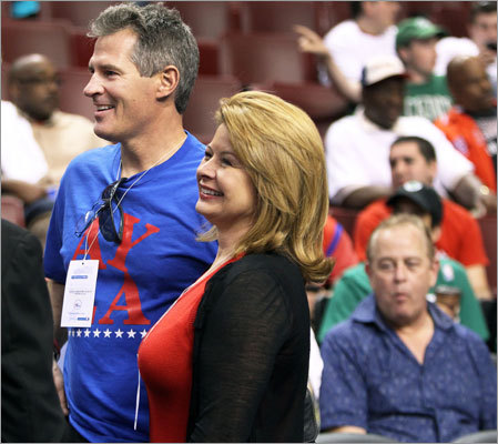 Senator Scott Brown and his wife, Gail Huff, attended Game 4.