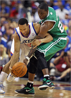 Mickael Pietrus played some tight first-half defense on the 76ers' Evan Turner.