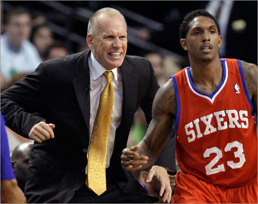 76ers coach Doug Collins reacted on the sidelines with guard Lou Williams during the second quarter.