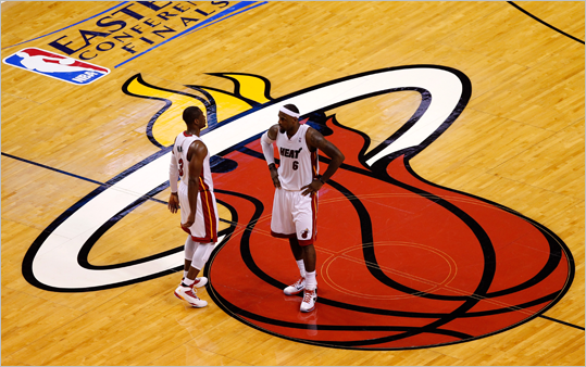 LeBron James and Dwyane Wade looked on in the second half.