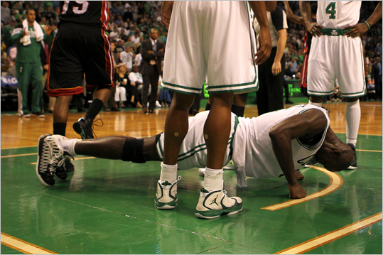 Kevin Garnett did push ups in the first half.