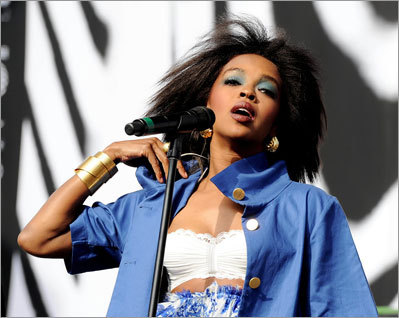 Lauryn Hill Federal prosecutors have charged five-time Grammy winner Lauryn Hill with willfully failing to file income tax returns with the IRS. Authorities said Hill earned more than $1.6 million during the three years that she failed to file returns. Prosecutors say her primary source of income is royalties from the recording and film industries.