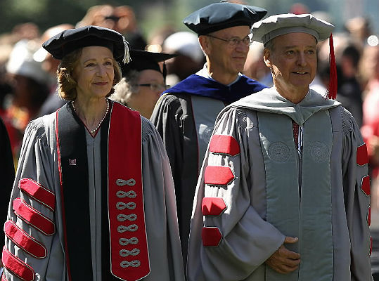 MIT President Susan Hockfield (left), former president Dr. Charles Vest (center), and Chairman John S. Reed (right) walked in the ceremony.