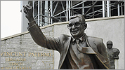 Penn State removes Paterno statue