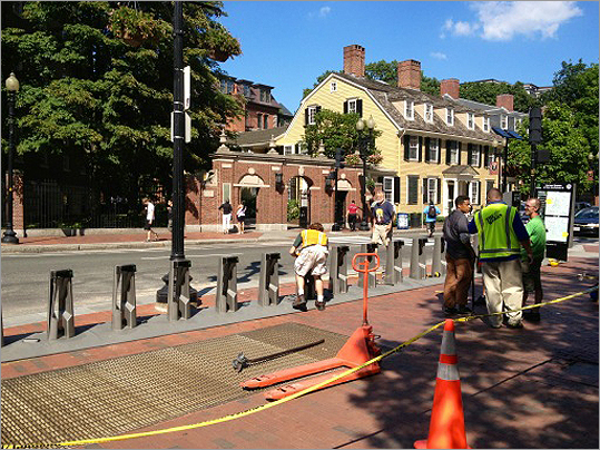 Mass Ave/Dunster St. @ hubway station being installed! # Cambridge twitter.com/limegroove/sta… — Michal Skrzypek (@limegroove) July 30, 2012