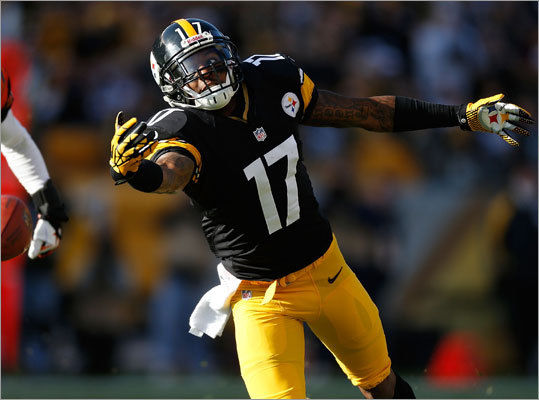 Mike Wallace, WR An unrestricted free agent this time around, Wallace is the talented, top-flight wide receiver every NFL team covets. He's coming off a contentious year with the Steelers following a holdout that lasted through training camp. So you can be sure he's expecting to get paid. If the Patriots ever want a field-stretching wide receiver, one who specifically can extend plays vertically as has been demanded, then Wallace is the man. He ran a 4.33 40-yard dash and his 17.2 yards per catch career average is exactly what Patriots fans want. At 26, and in the right situation, he could be good player for a long time.