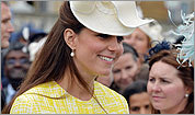Royal Watch: Kate shows off baby bump