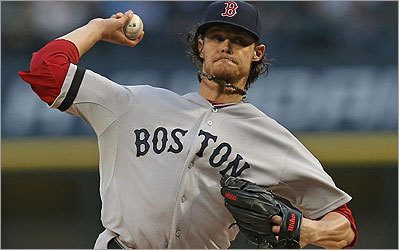 Buchholz still unbeaten; Sox avoid Chicago sweep