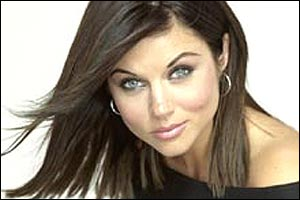 Perhaps in an attempt to show the growth in her own personal life, TV's Kelly Kapowski dropped the 'Amber' from her name and is now Tiffani Thiessen. Unfortunately, she's also dropped the success in her career, making appearances on soon-to-be-cancelled shows like 'Good Morning, Miami' and 'Fastlane.'