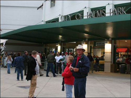 The chilly Fort Myers weather resulted in plenty of no-shows and lots of tickets available for last night's Grapefruit League opener between the Sox and Twins at City of Palms Park.