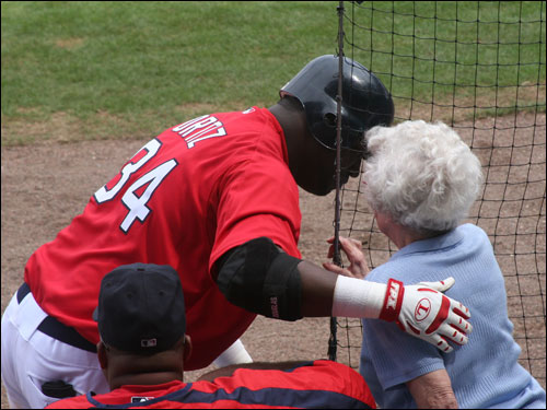 David Ortiz may have got a bit of batting advice from this fan as he next hit a long home run going back-to-back with Manny in the third inning against St. Louis.