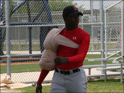 The throwing-arm-and-shoulder ice pack was the new fashion craze for Red Sox minor league pitchers after getting their morning workouts in.